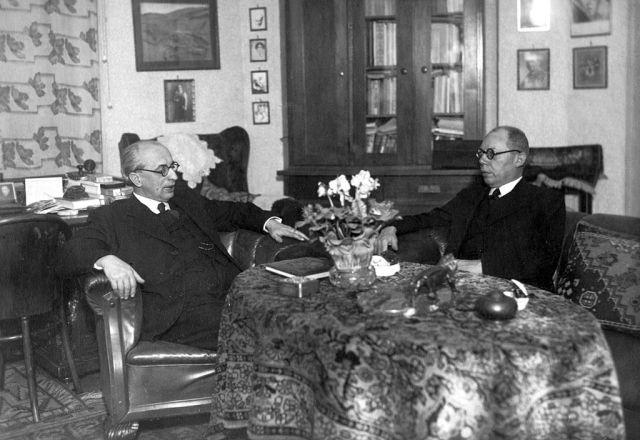 Ravasz_László_és_Makkai_Sándor_református_püspökök._Fortepan_20501